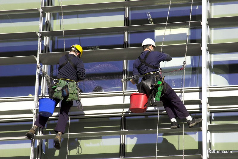 Cleaning the Exterior of Business Facilities