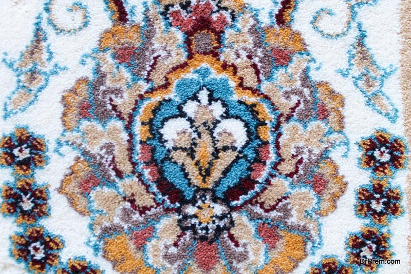 identify a Persian carpet
