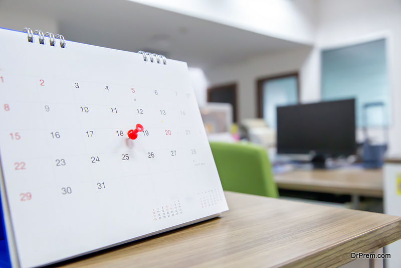 Use of Having Desk Calendar While Working or Studying