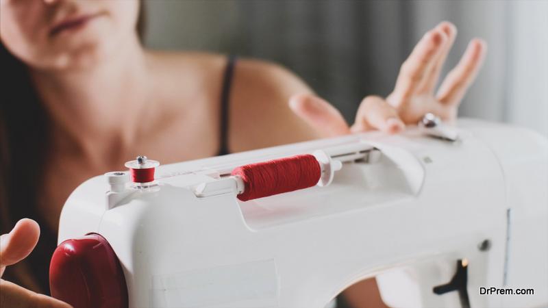 handling Sewing Machine