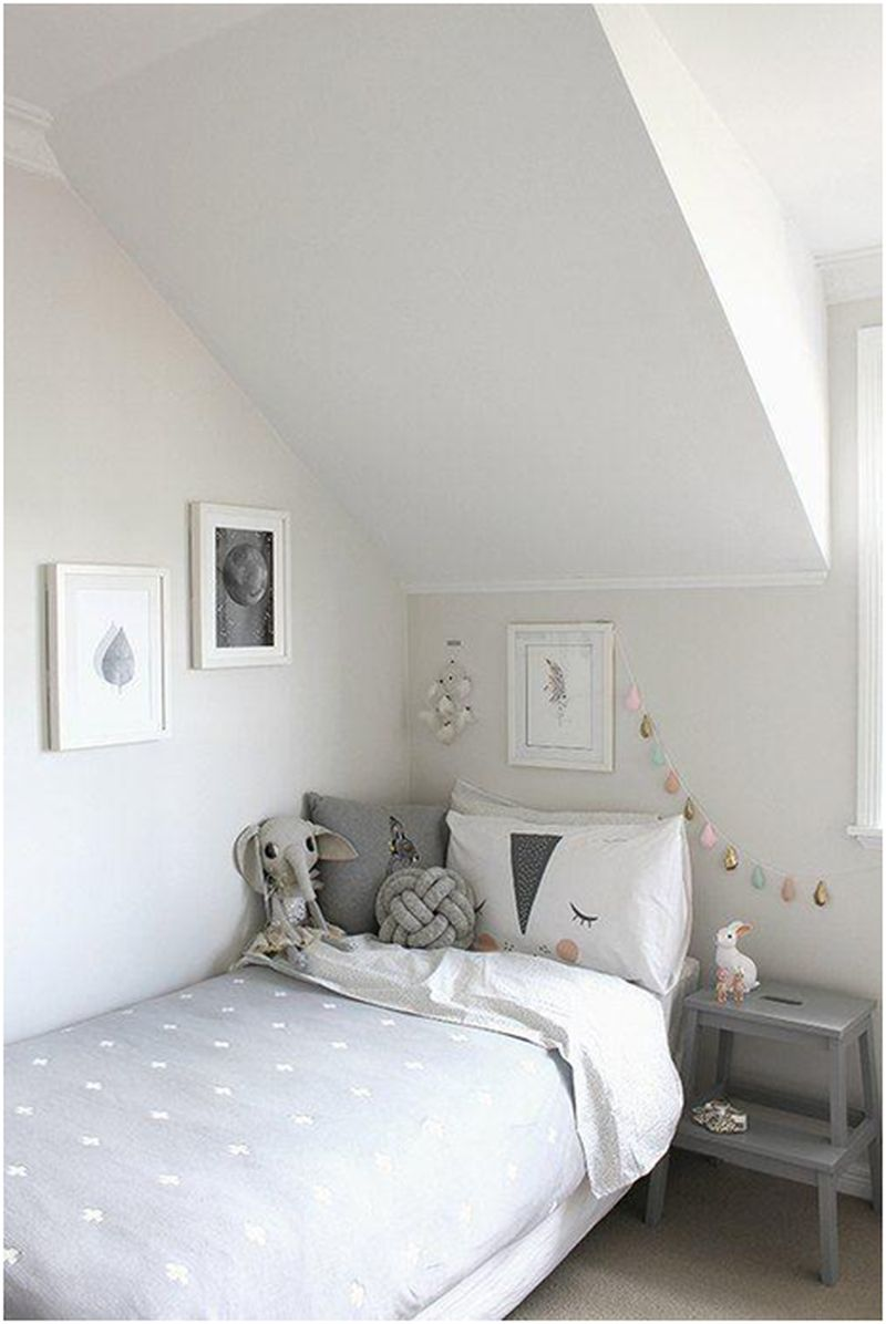Minimalist room décor